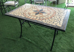 Tavoli Da Giardino In Ferro Battuto E Mosaico.Tavolo Da Giardino Rettangolare Con Mosaico In Ferro Battuto Cm