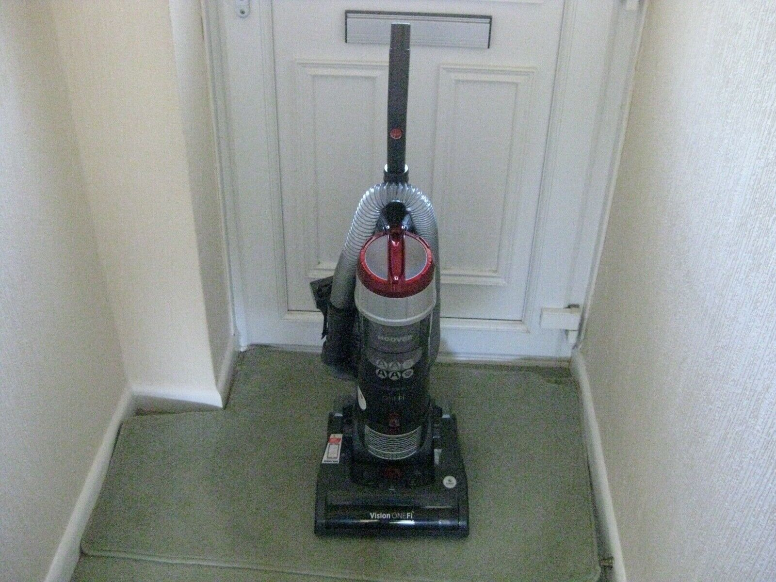 Hoover VR81OF01 850W Vision One Bagless Upright Vacuum Cleaner GreyRed