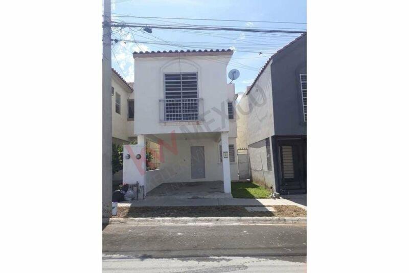 Casa con excelente ubicacion, plusvalia asegurada, accesos rapidos hacia centros comerc...