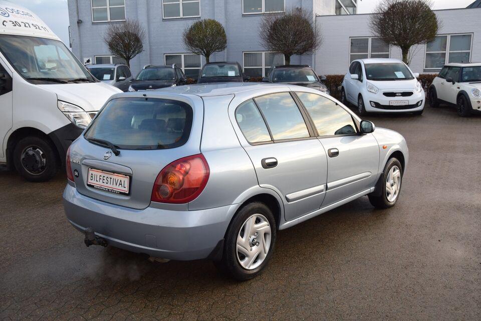 Nissan Almera 1,8 Delta Benzin modelår 2005 km 201000 Blå