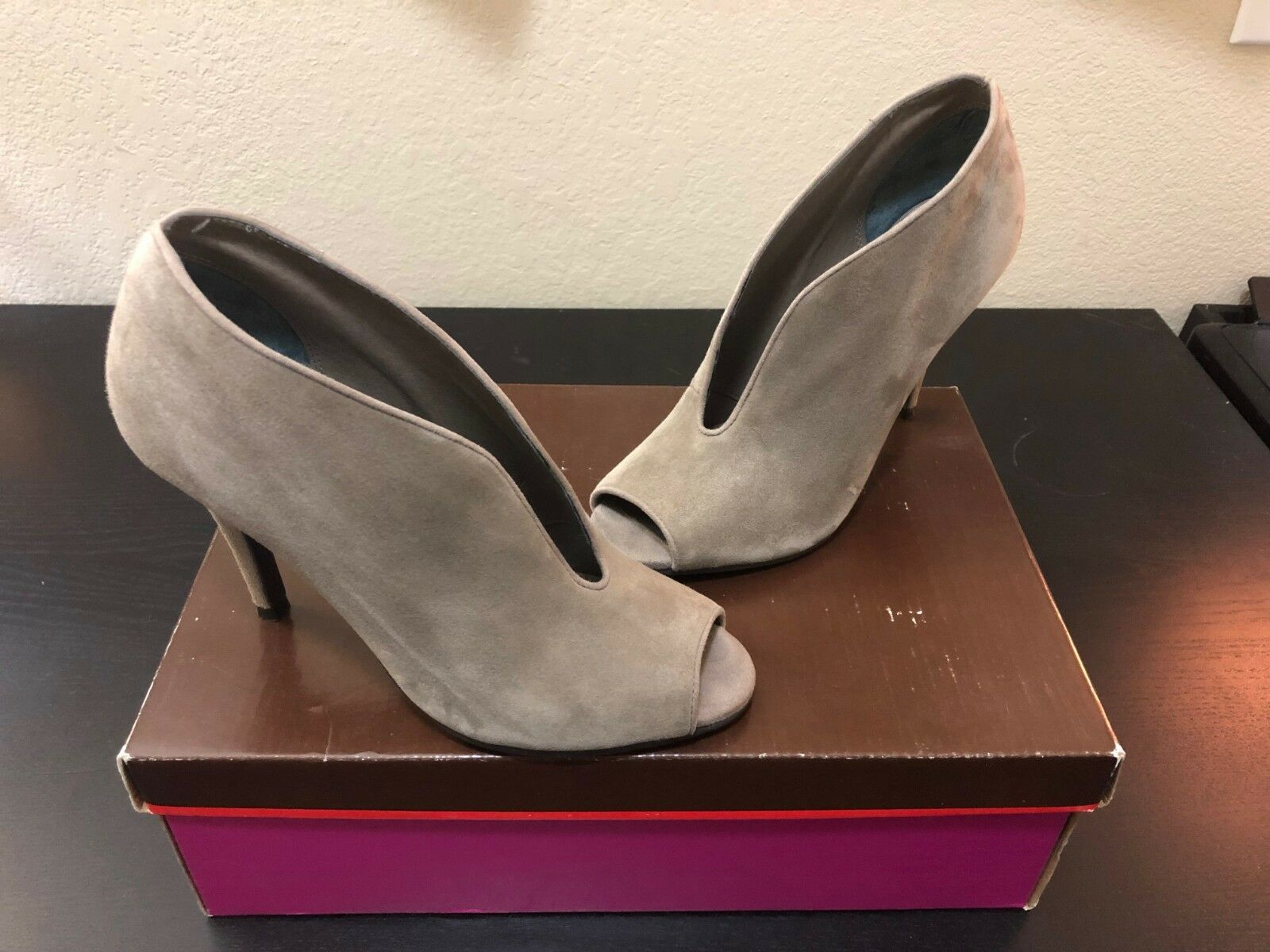 Tesori Kerry-Lea Women's Peep-toe Gray Suede Ankle Boots/Booties Size 6