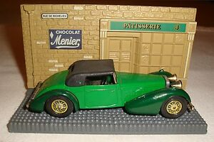 Matchbox-Models-of-Yesteryear-Y17-1938-Hispano-Suiza-2-Tone-Green-in-Diorama