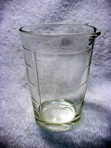 Antique 8OZ Heavy Glass Measuring Cup w/ Pour Spout | Nice shape |