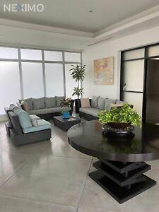 Departamento en venta ubicado en el edificio Palmeras de Puerto Cancún, Quintana Roo