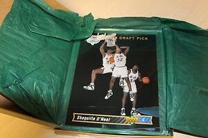 Rare-Shaquille-O-039-Neal-Blowup-Rookie-Card-Upper-Deck-Authenticated-Model-10590-1B