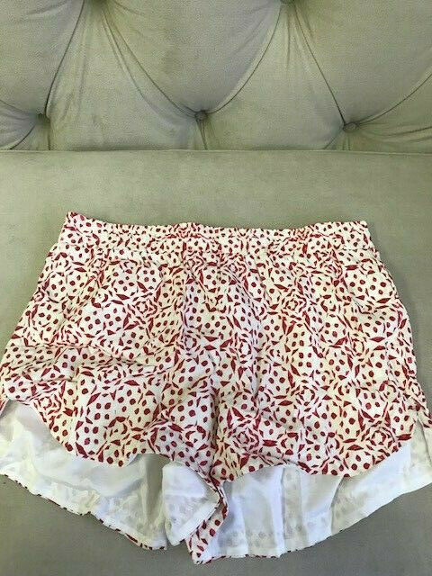 83 NWT CUPCAKES AND CASHMERE-CG13596- Asha Shorts in Ivory Multi Size Small