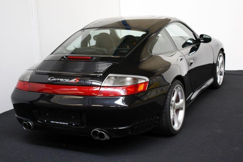 Porsche 911 Carrera 4S Coupé - 11