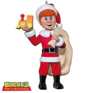 Kris-Kringle-Santa-Claus-Is-Comin-039-to-Town-2017-Hallmark-Ornament-Toys-Train-TV