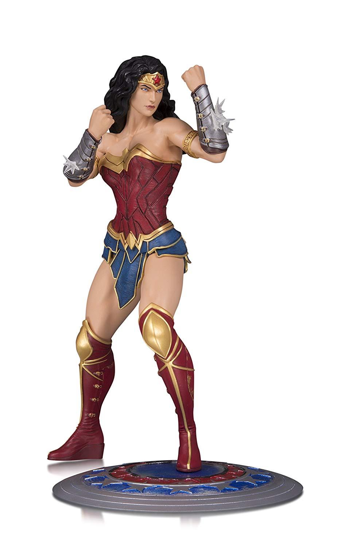 DC  Core  Wonder femme PVC Statue  dessins exclusifs