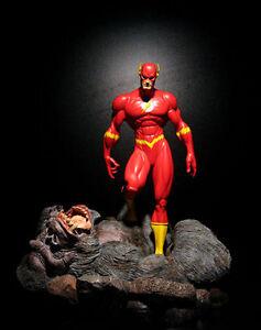 DC-FLASH-vs-GORILLA-GRODD-Customised-full-size-statue-RARE-sideshow