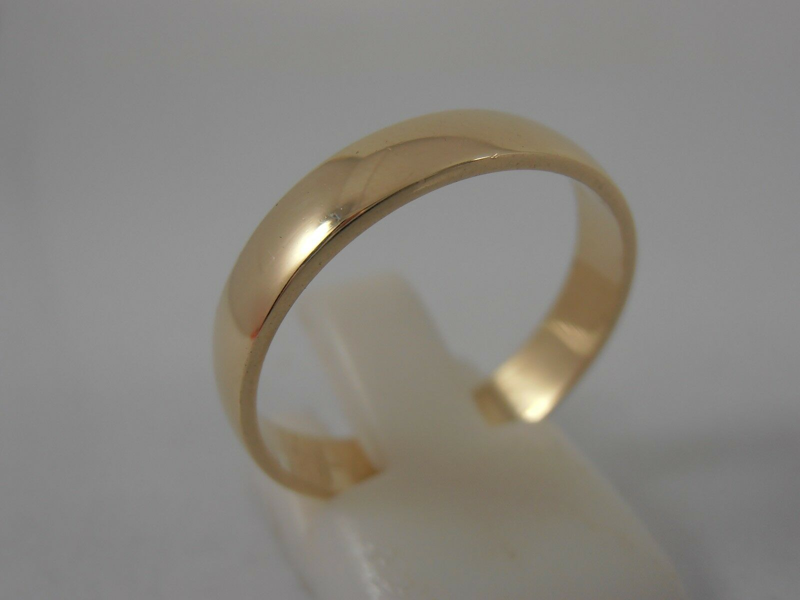 9ct YELLOW gold D SHAPE 4mm WEDDING RING SIZE S 1 2 FULLY HALLMARKED