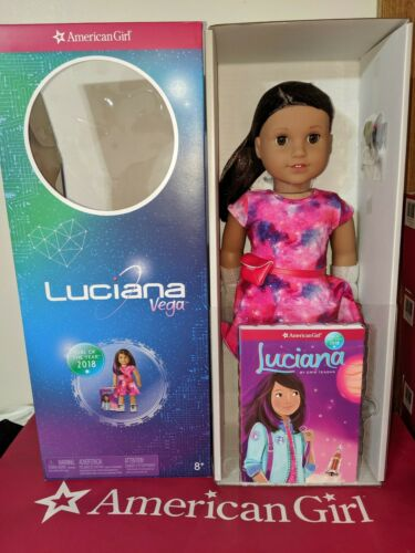 American Girl Luciana Vega Doll /& Book Girl of the Year Astronaut NEW