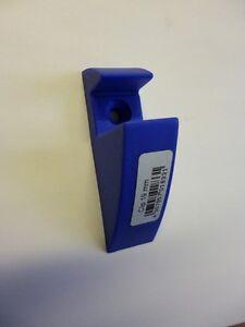 Clip-Set-fuer-19-mm-starke-Regalboeden-blau-Klemmhalterung-84x21-mm