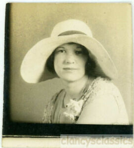 1924 Flapper Young Woman Big Floppy Hat Small Corsage Rose