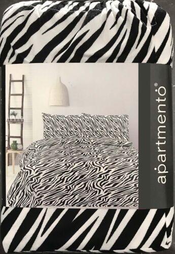 Zebra Stipe DuvetDoona Quilt Cover Set by ApartmentoAnimalMicro Mink