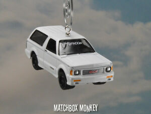 Details about GMC Typhoon Frost White Custom Christmas Ornament 1/64  BroncoII Jimmy K5 Adorno