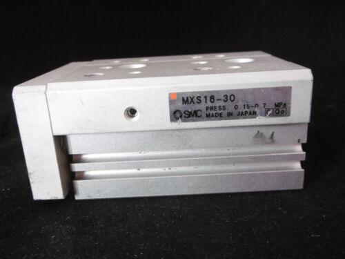 SMC compatto slitta mxs16-30 USATO