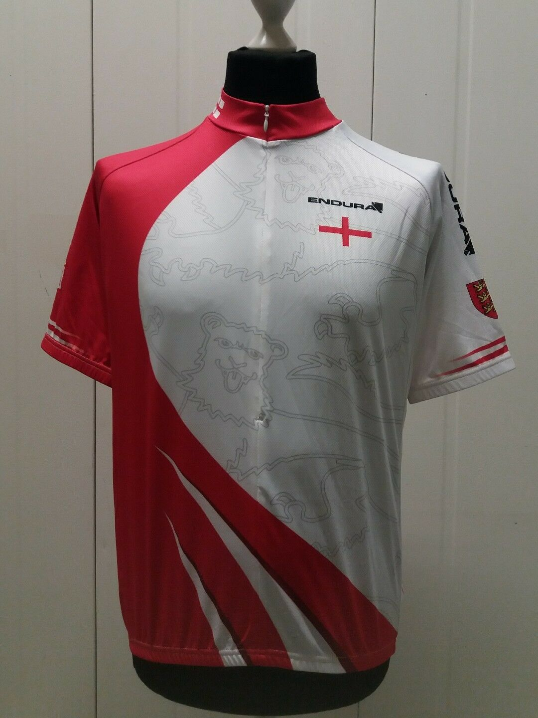 New  Endura England Flag Coolmax S S Cycling Jersey L  10 days return