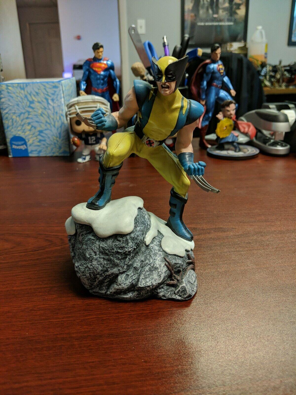 Corgi Wolverine Marvel Heroes Statue