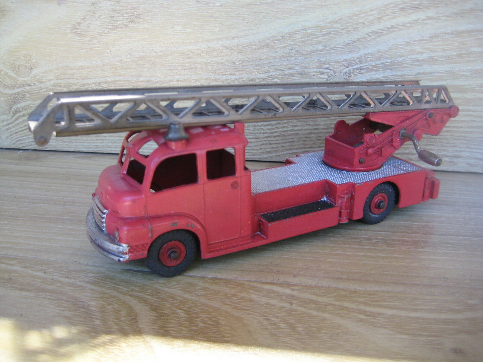 DINKY No 956 Turntable Fire Escape Lorry   Play Worn