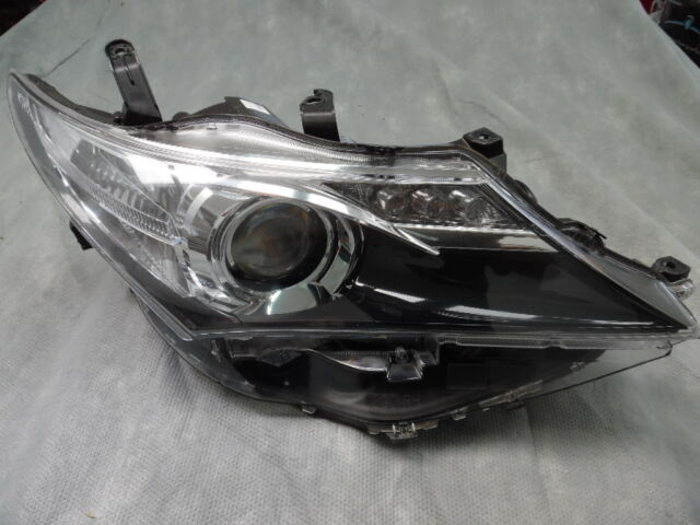 2014 TOYOTA COROLLA HATCH R/H HEADLIGHT GENUINE