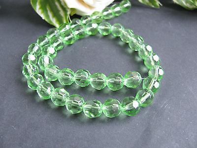 40 Glasperlen facettiert in hellem grün, 8 mm, Perlen basteln, Schmuck