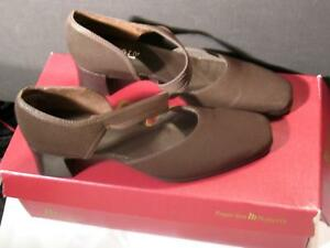 """Munro American Womens Brown Shoes Size 8.5 N Soft Stretch Strappy Suede 2"""" Heel"""