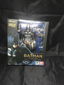 Bandai S.h.figuarts Batman Le Chevalier Noir Figurine Dc Bat Man 4549660147749