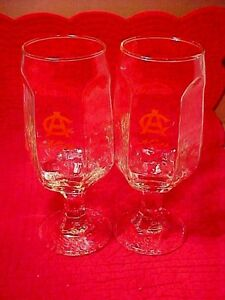 VINTAGE-BEER-GLASSES-TWO-A-C-ADOLPH-COORS-HAMMERED-TEXTURE-HEX-DESIGN-STEMMED