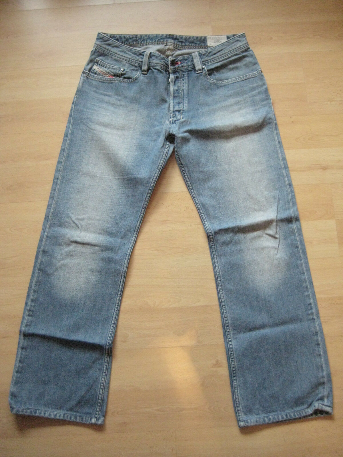 Diesel 32 32 Look Used Vintage blau denim OR8AQ Wash Levan