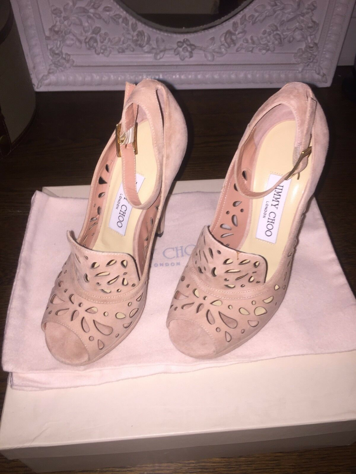 Jimmy Choo Kalan Perforated Suede bleush Pumps Taille Taille Taille 6 7466b4