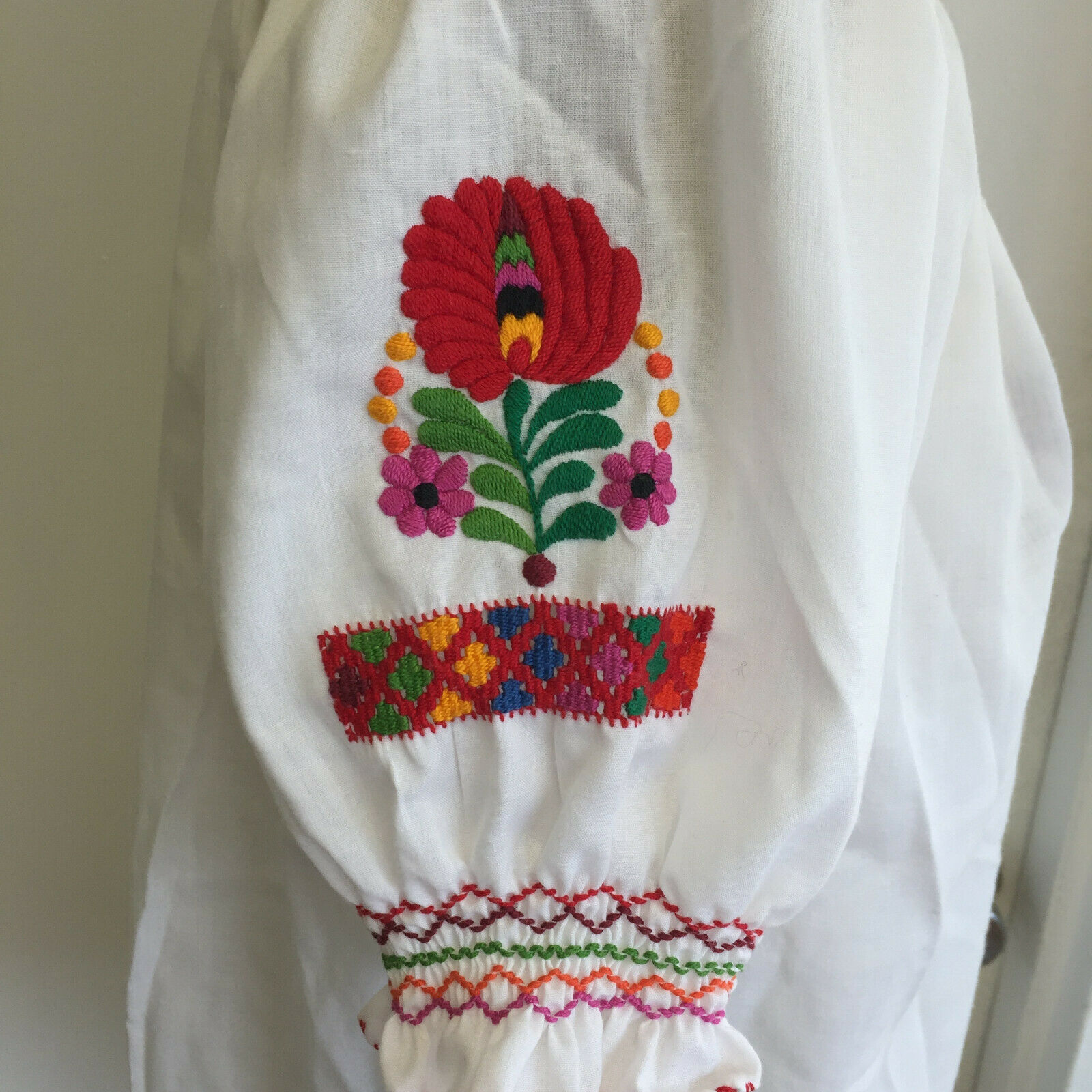 Vintage Hungarian Blouse Embroidered Peasant Top … - image 4