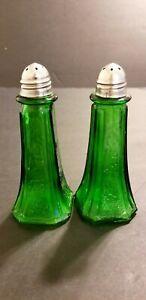 VINTAGE GREEN GLASS SALT & PEPPER SHAKERS SILVER TOPS