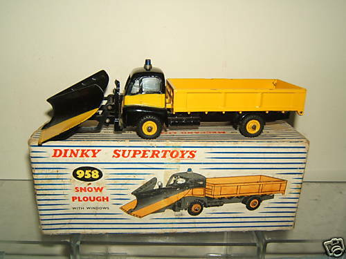 DINKY SUPERTOYS MODEL No.958    GUY WARRIOR SNOW PLOUGH    VN MIB