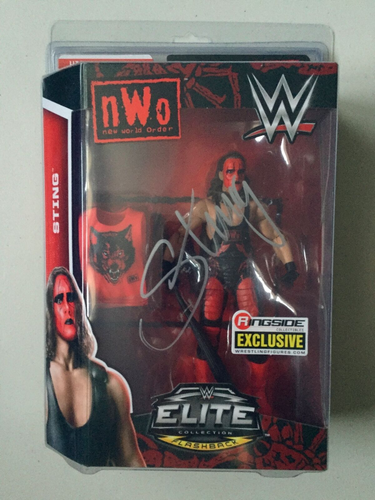 WWE Ringside Collectibles Exclusive NWO STING Elite Figure Signed   Autograph