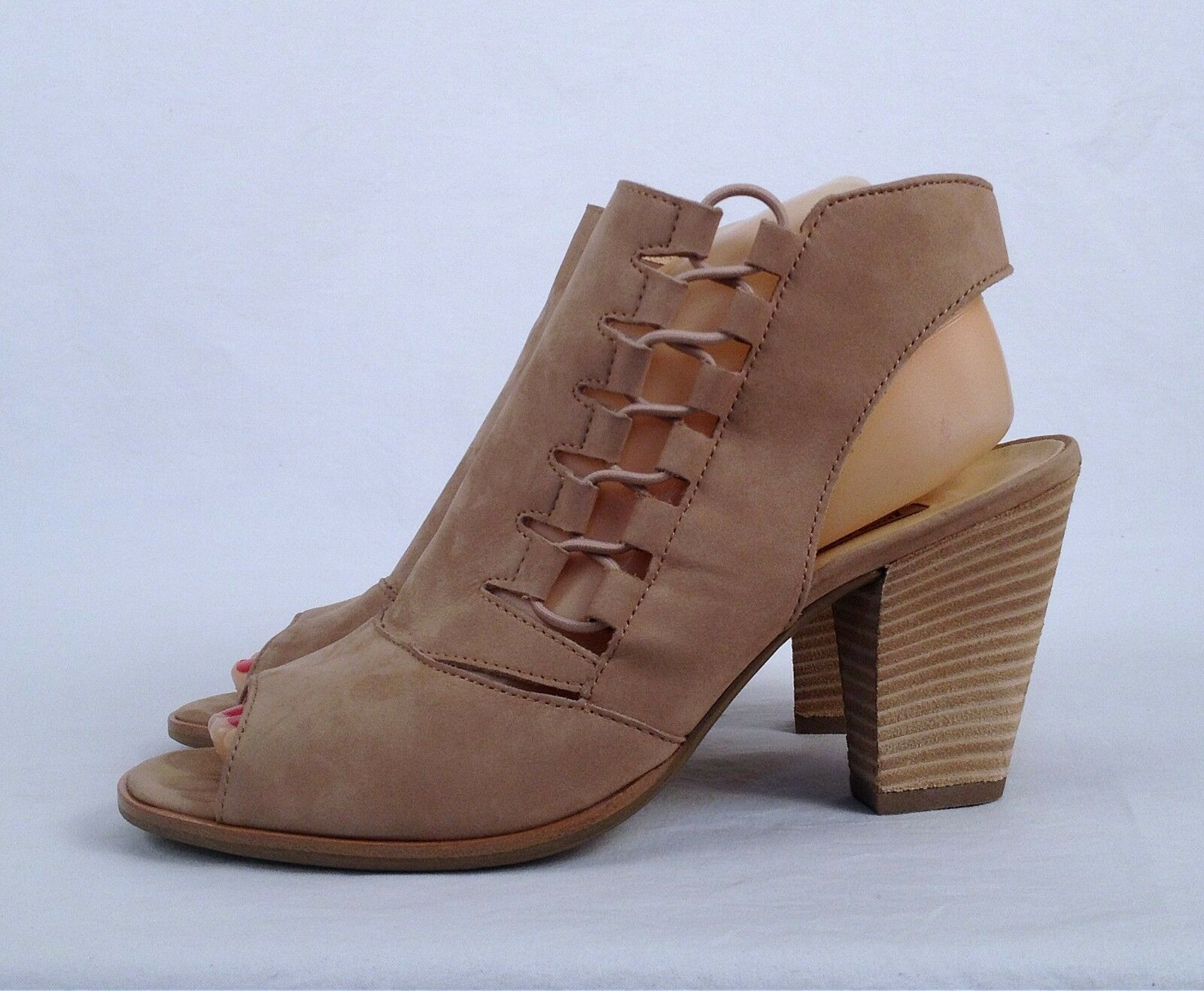 Paul Green 'Mindy' Sandal- Natural- Size 8.5 US/ 6 UK   (B40)