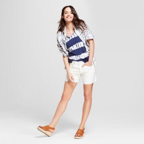 Universal Thread White NEW Women/'s Mid-Rise Raw Hem Boyfriend Jeans Shorts