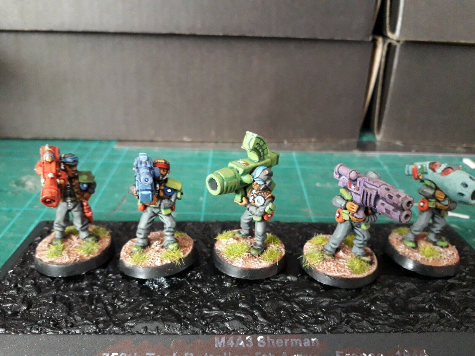 Rogue Trader Imperial Guard heavy weapons well painted. 5 Metal figs (Unit 11).