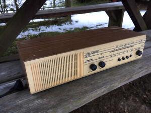 DDR-Nostalgie-Radio-zu-verkaufen-voll-funktionstuechtig