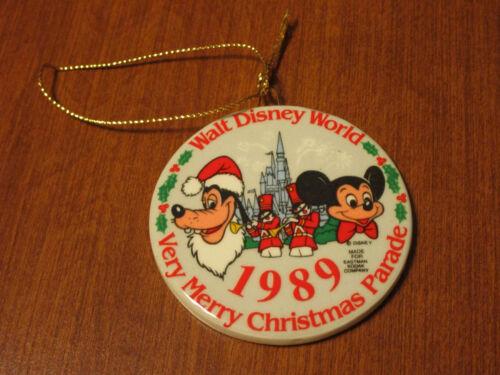 SOUVENIR VINTAGE 1989 WALT DISNEY WORLD VERY MERRY CHRISTMAS PARADE ORNAMENT