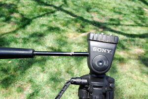 Sony tripod delux vintage black plastic small for camera or camcorder