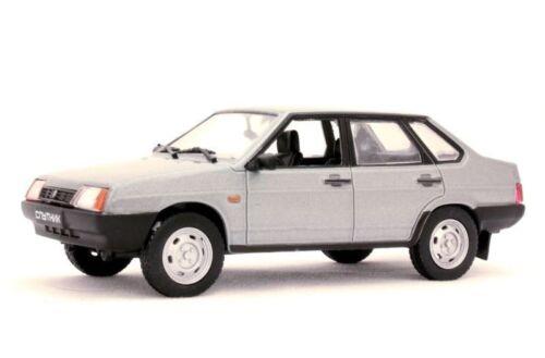 Deagostini NEW VAZ 21099 Sputnik AutoLegends USSR Diecast Metal model 1:43