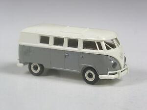 Klasse-Brekina-VW-T1-Bus-Export-Version-grau-weiss