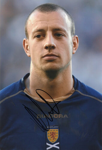 Alan Hutton, Scotland, Rangers, Tottenham, Aston Villa, signed 12x8 photo. COA.