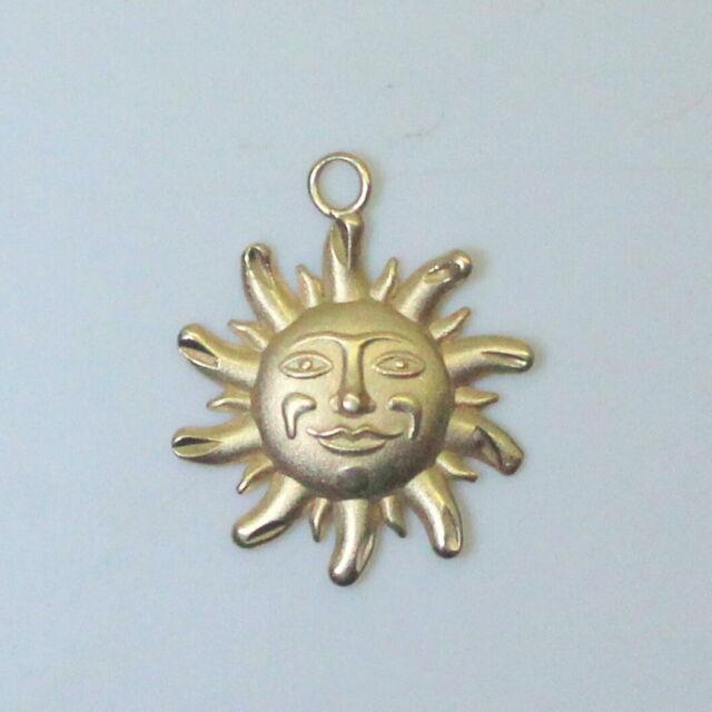 14K Yellow Gold Summer Beach 3D Diamond Cut Sun Charm/Pendant Not Scrap .7g