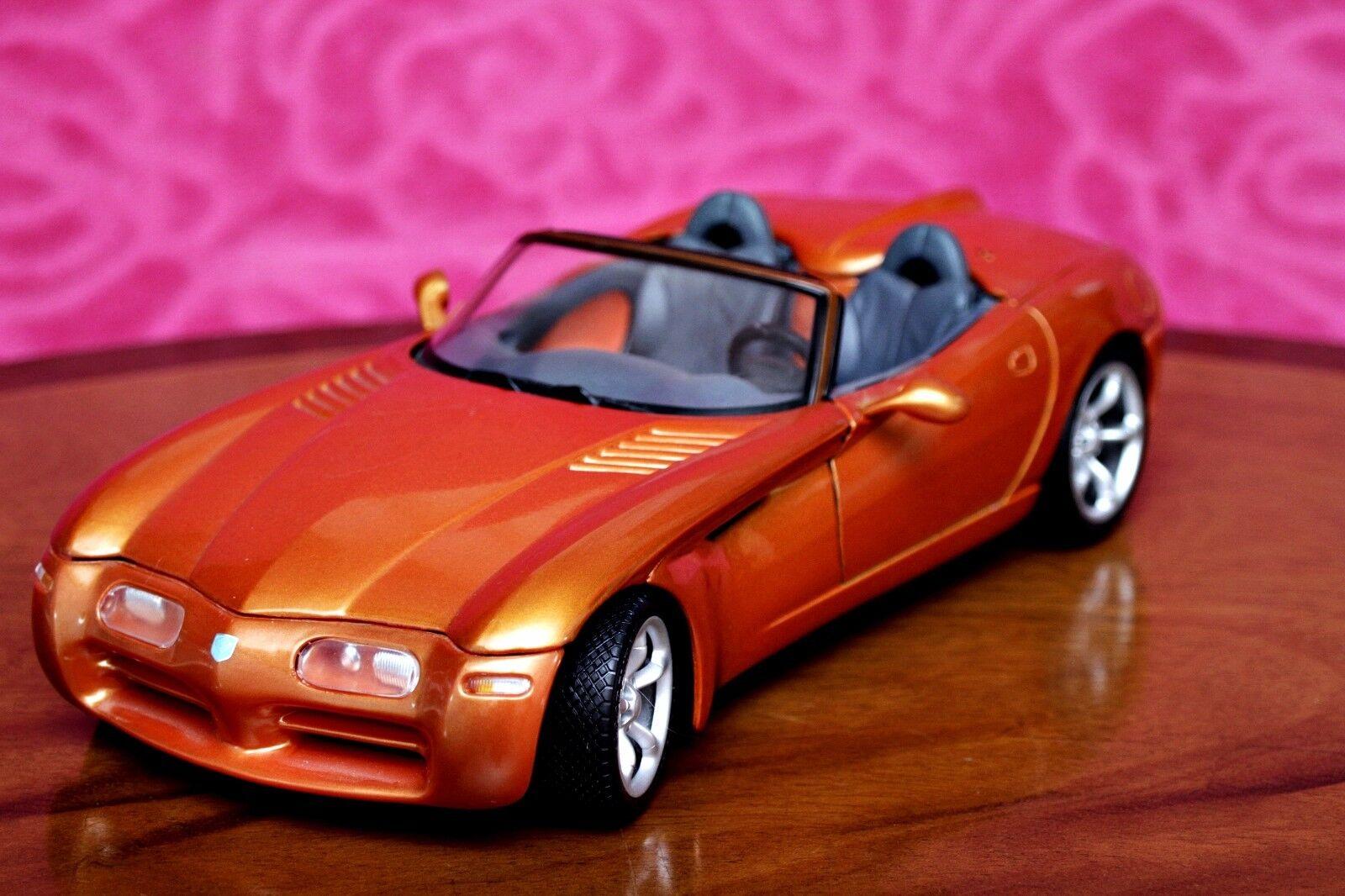 Maisto Car Model DODGE  1 18