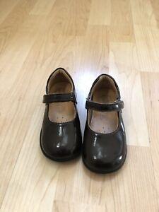 euro size 18 baby shoe