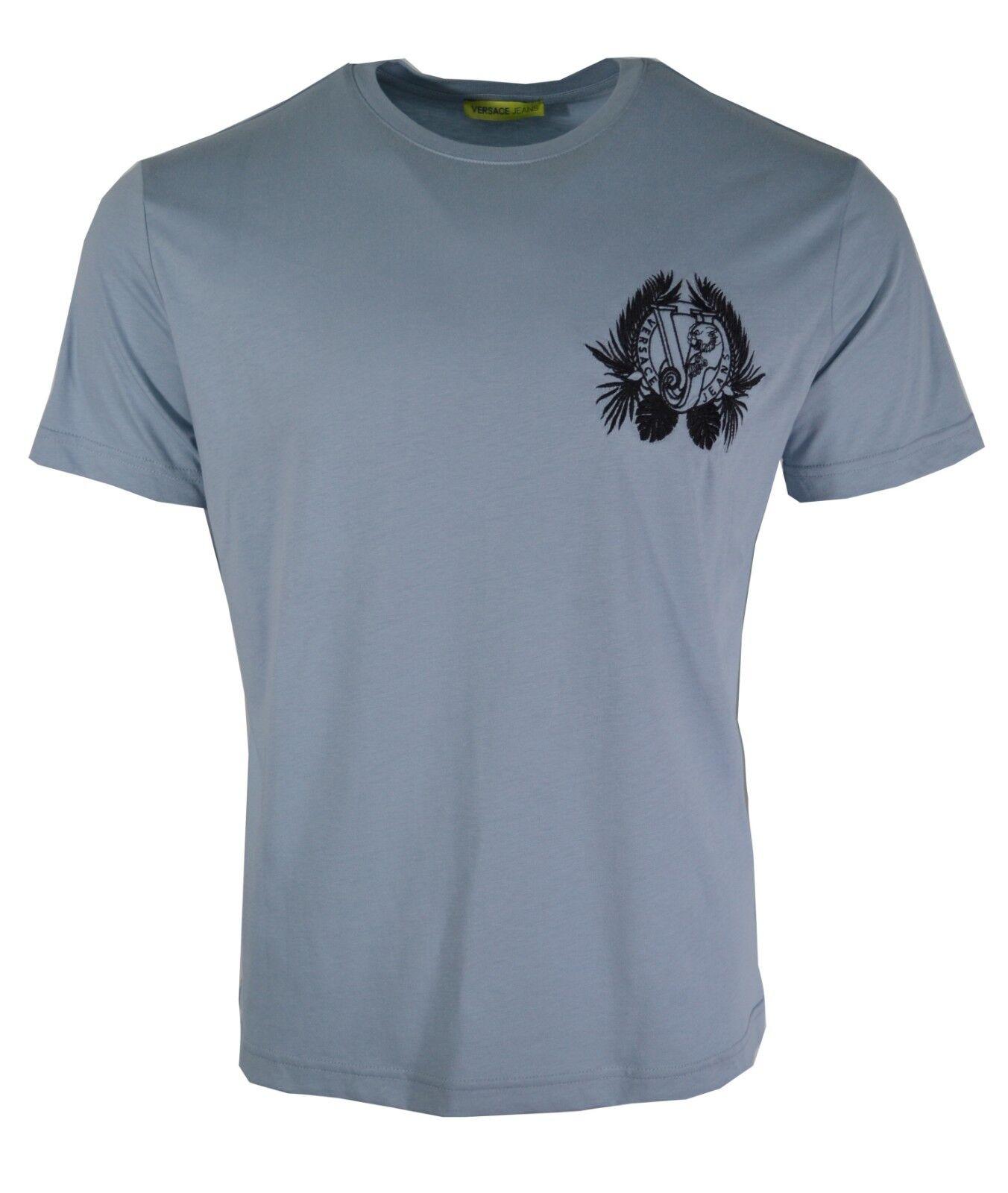 BNWT Versace Jeans Blu Pallido & Nero Foglia ricamato sul petto Tiger T-Shirt Logo