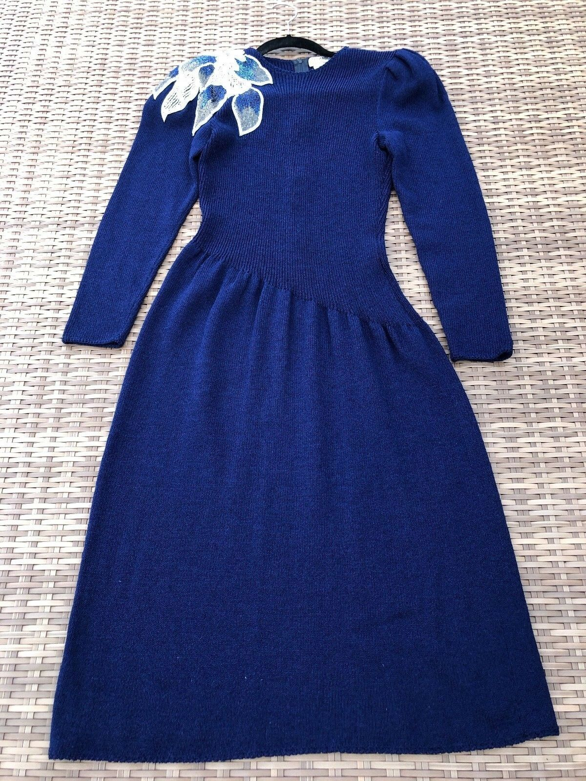 VINTAGE Pat Sandler Wellmore Size 8 blueE Sweater Dress w  Beading SALE PRICE