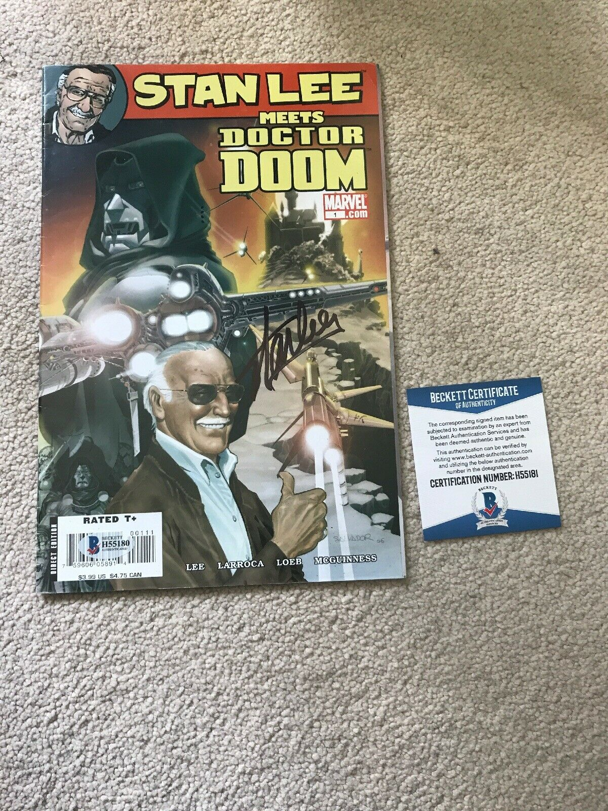 MARVEL STAN LEE  Meets Doctor Doom SIGNED Cargraph Comic Bas Great Condition